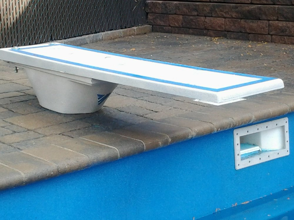 Pacific blue on fiberglass piscine finition canada pool coating ecoFinish3.jpg