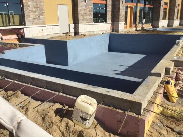 valcartier pool complete.jpg