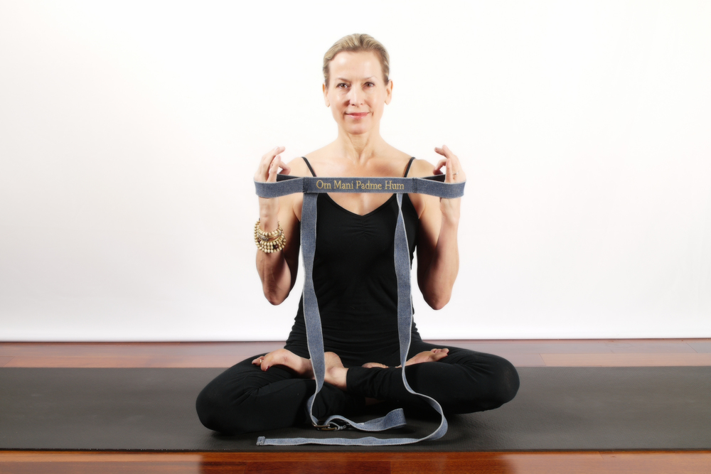 Some poses require both hands/wrists in the stationary loops. Great for ease of holding a pose, to add a mudra with your hands or for arthritis.