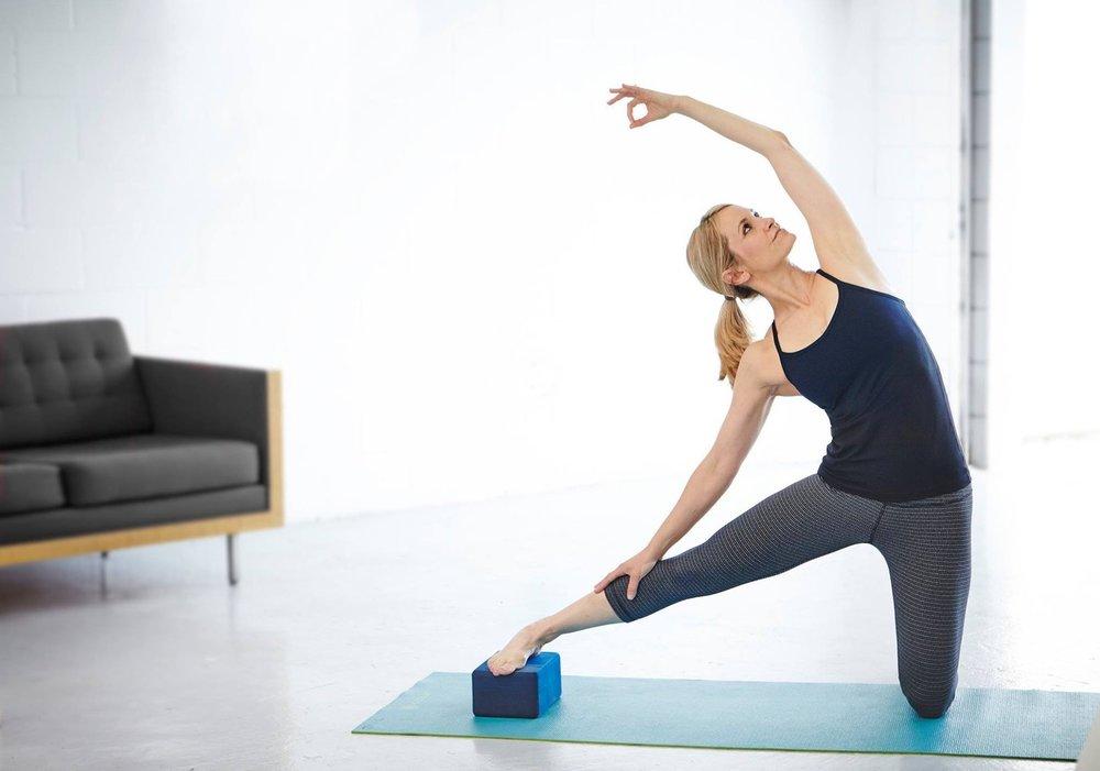 yogasmoga_parigasana.jpeg