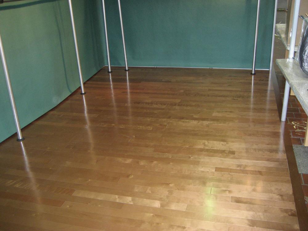 tradeshow-booth-flooring-b2.jpg