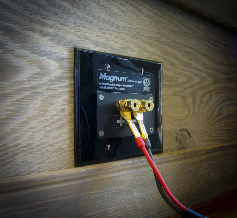 wall plate speaker001.jpg