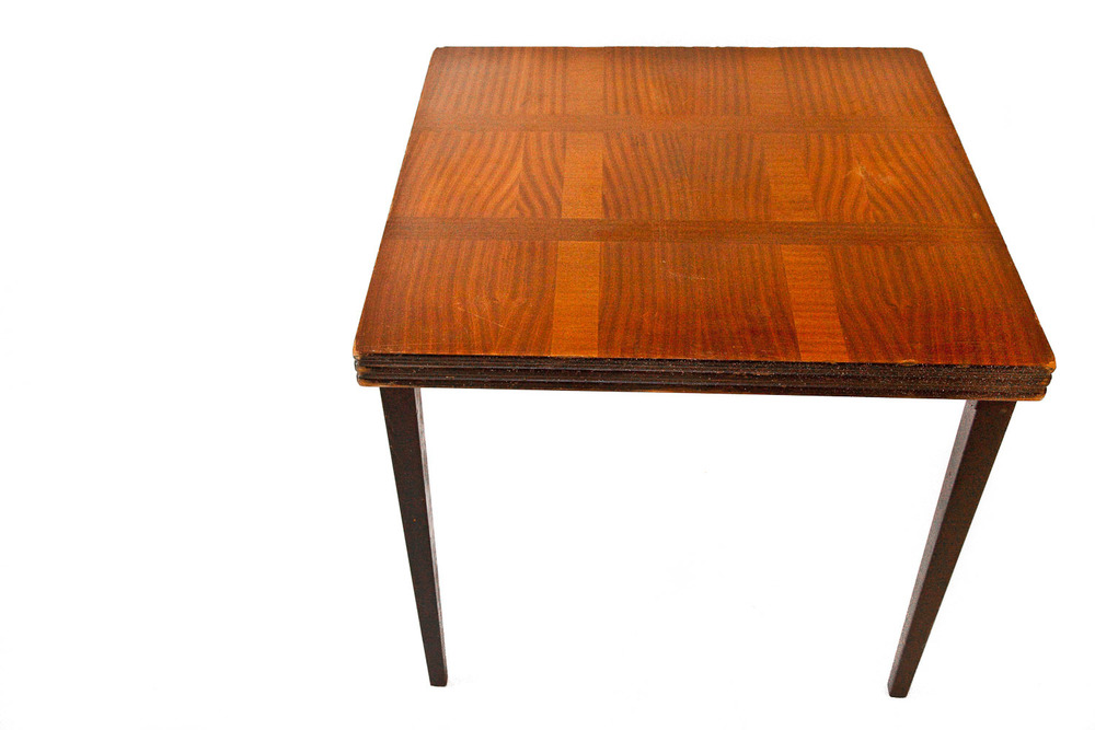 (T-006) ALDER ROYAL FOLDING TABLE
