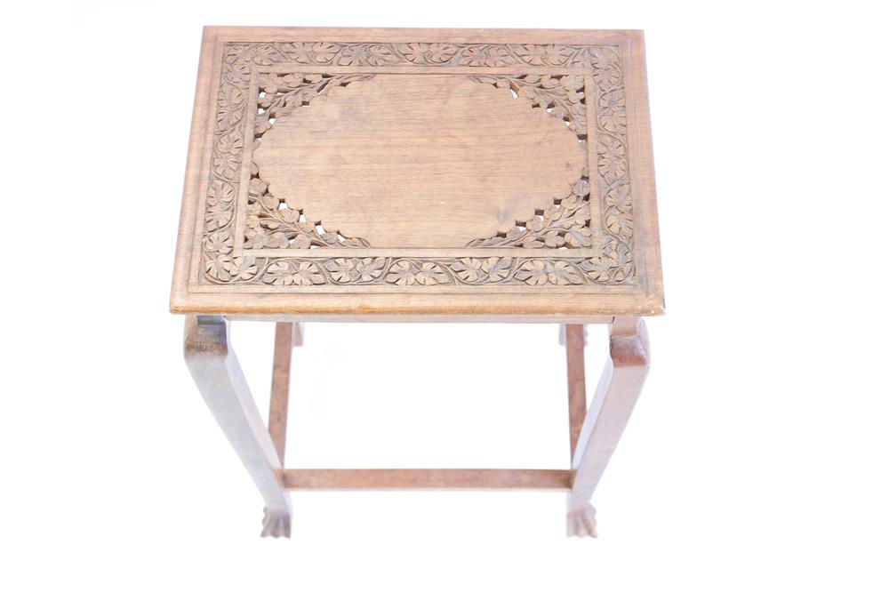 (T-021) LORIEN TABLE