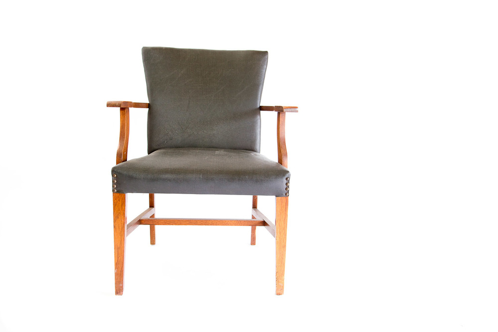(S-016) MURPHY CO. ARMCHAIR