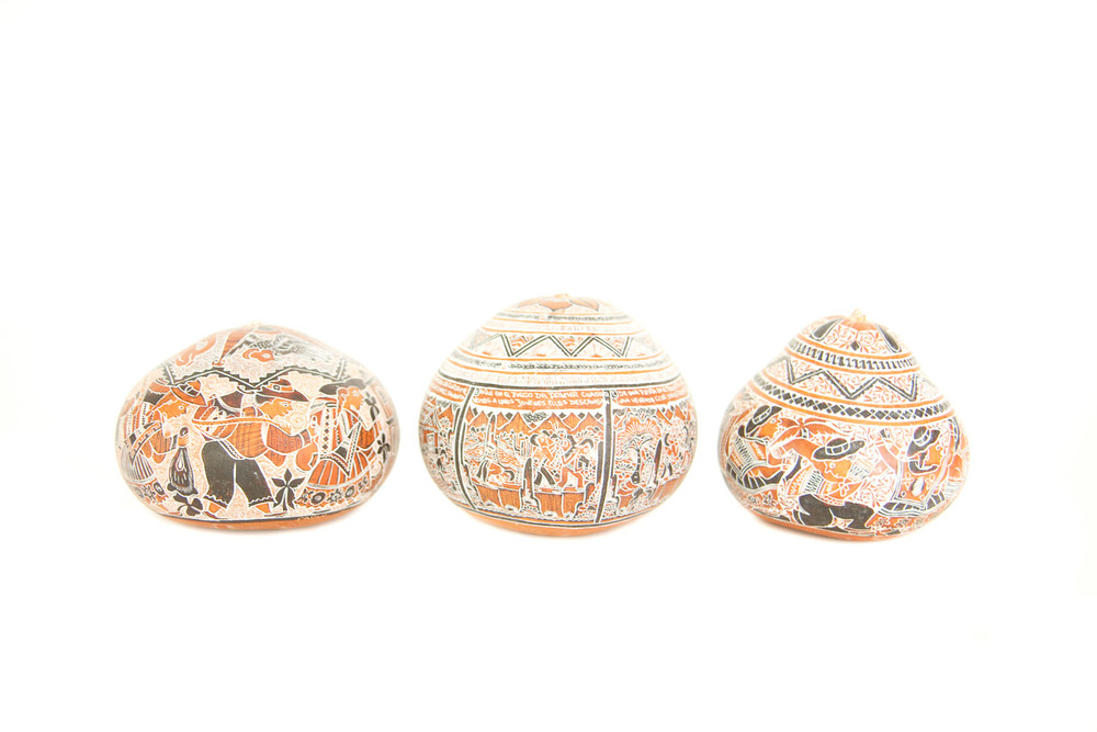 (PS-120) PERUVIAN BLACK + WHITE GOURD SET