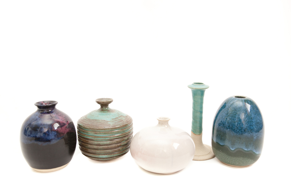 (V-002.12)  THE DISREGARDEN CERAMIC COLLECTION