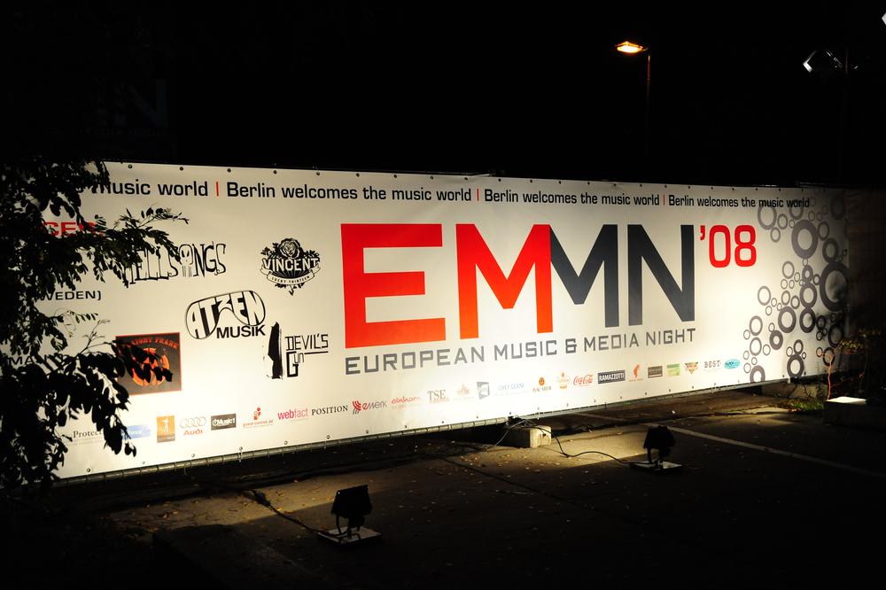 Sponsorenwand der European Music & Media Night 2008 (© public adress)