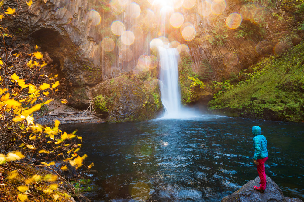 MilesWeaver_Oregon_waterfall_hike.jpg