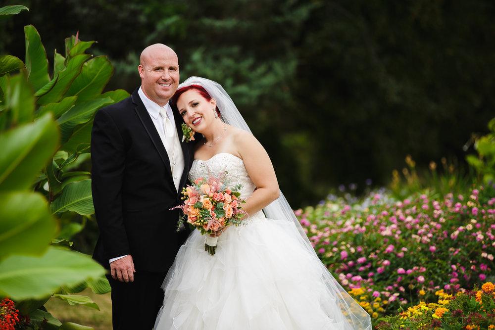 wedding portrait bride groom rutgers gardens new brunswick nj