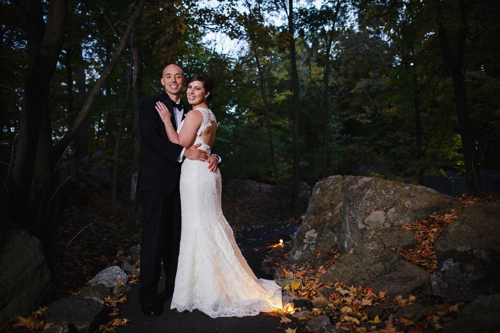 wedding portrait bride groom smoke rise village inn kinnelon nj