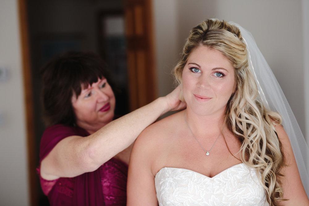 wedding preparations bride mother