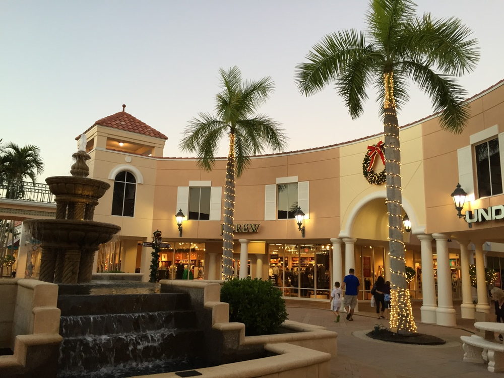 Miromar Outlet mall