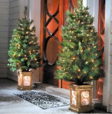 Outdoor Holiday Decorating Tips  -