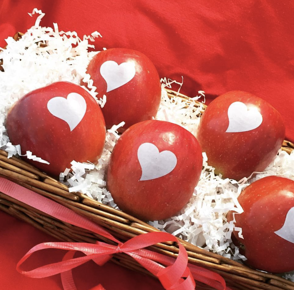 Fun to Eat Fruit  Valentine's Apples.png