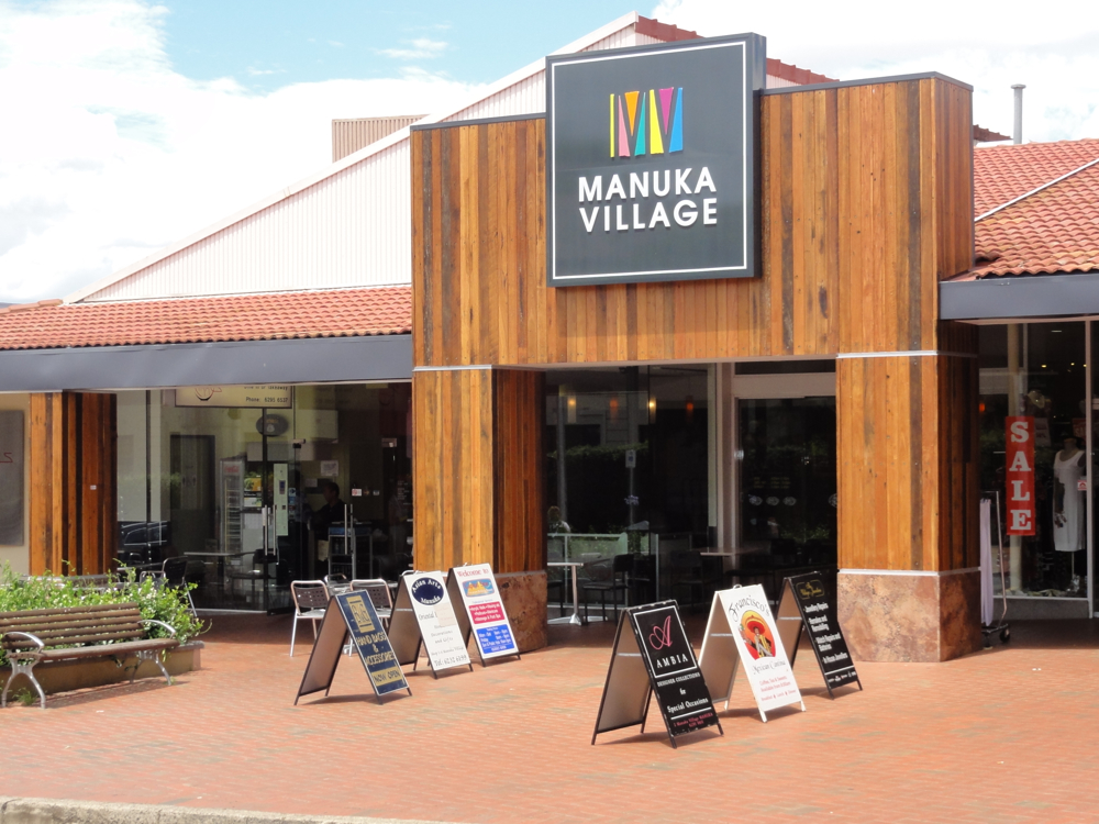Manuka Centre Blackbutt Cladding UV420-1.JPG.jpg