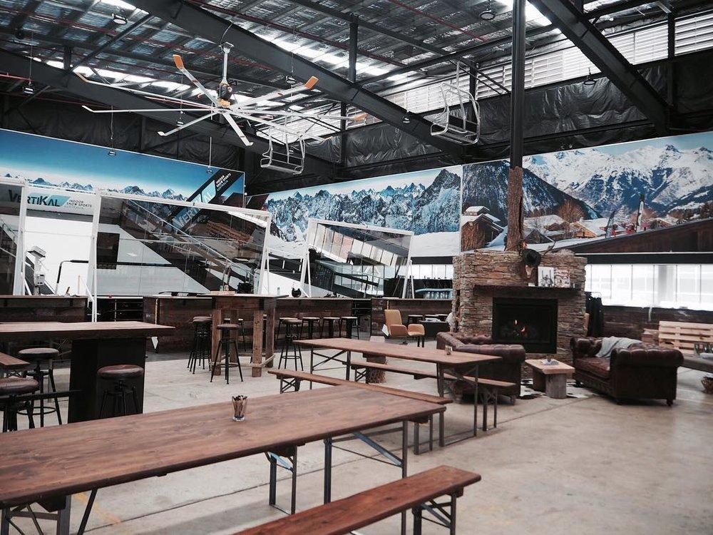 Vertikal Snow Sports interior