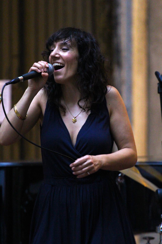 gab singing venice.JPG
