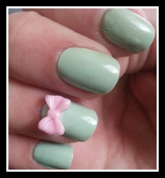 mint green nails with bow
