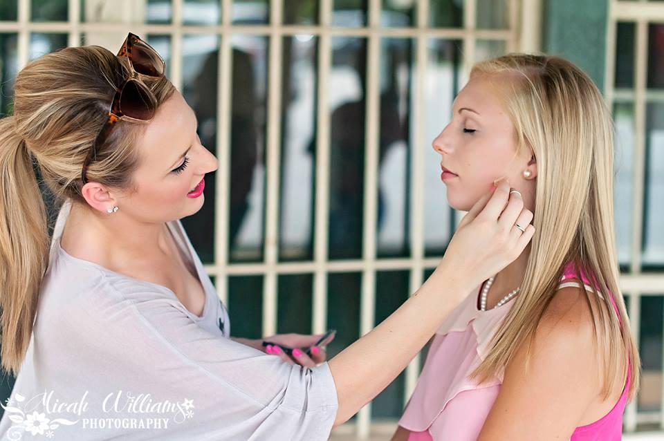amanda and sydney makeup app.