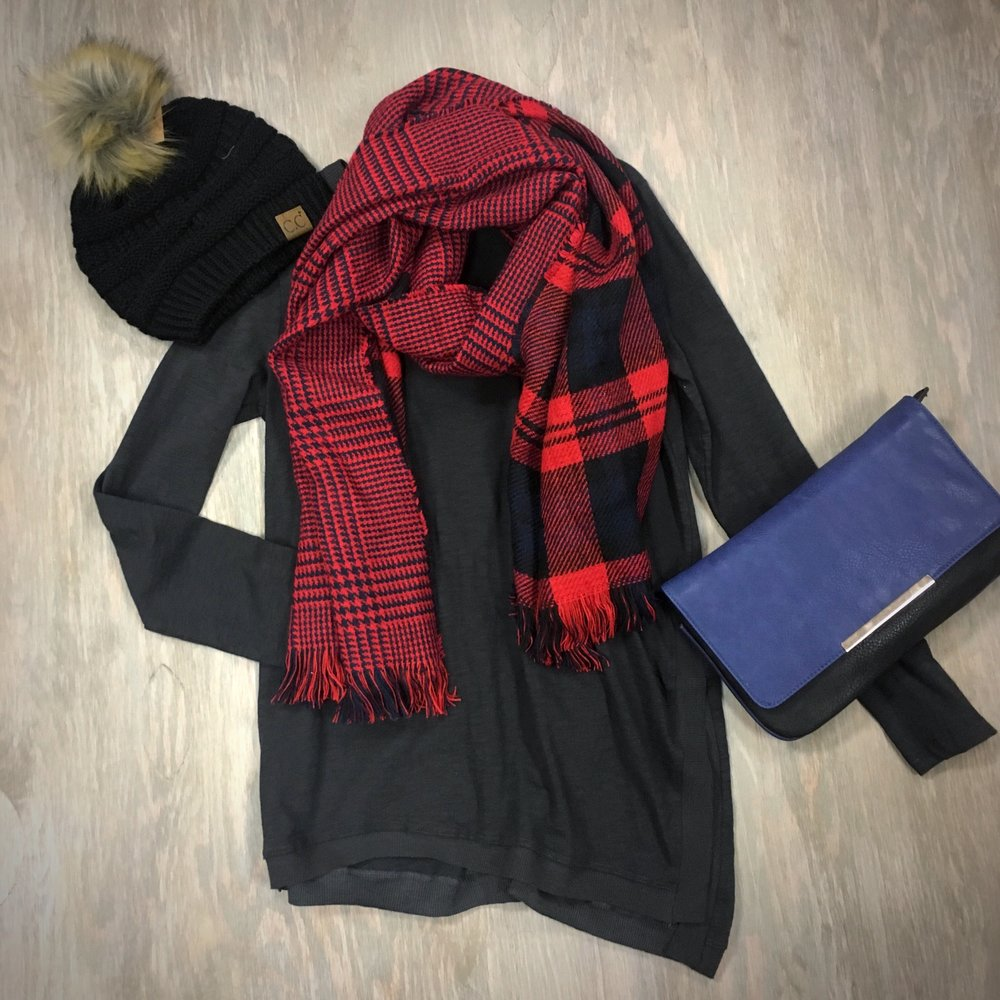 Hana Hat & Scarf - Lush top with a Jeane & Jax clutch