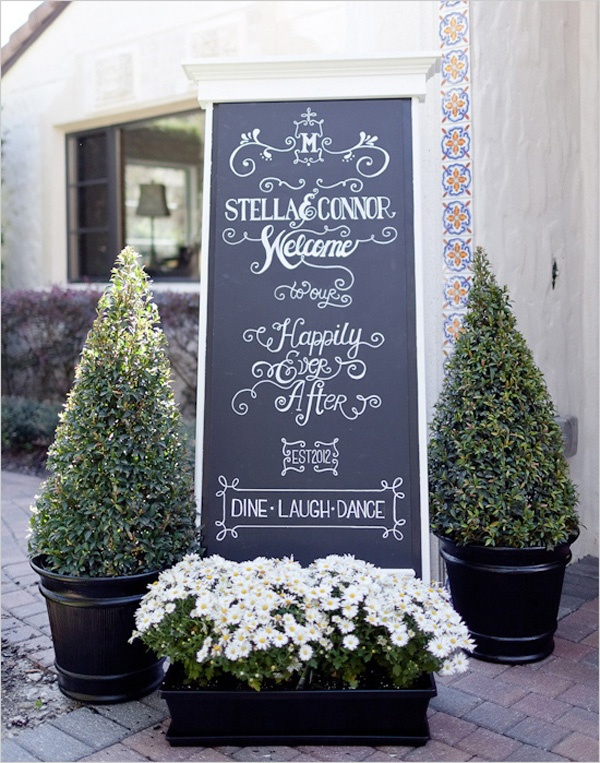 This sign is elegant and whimsical all at the same time!