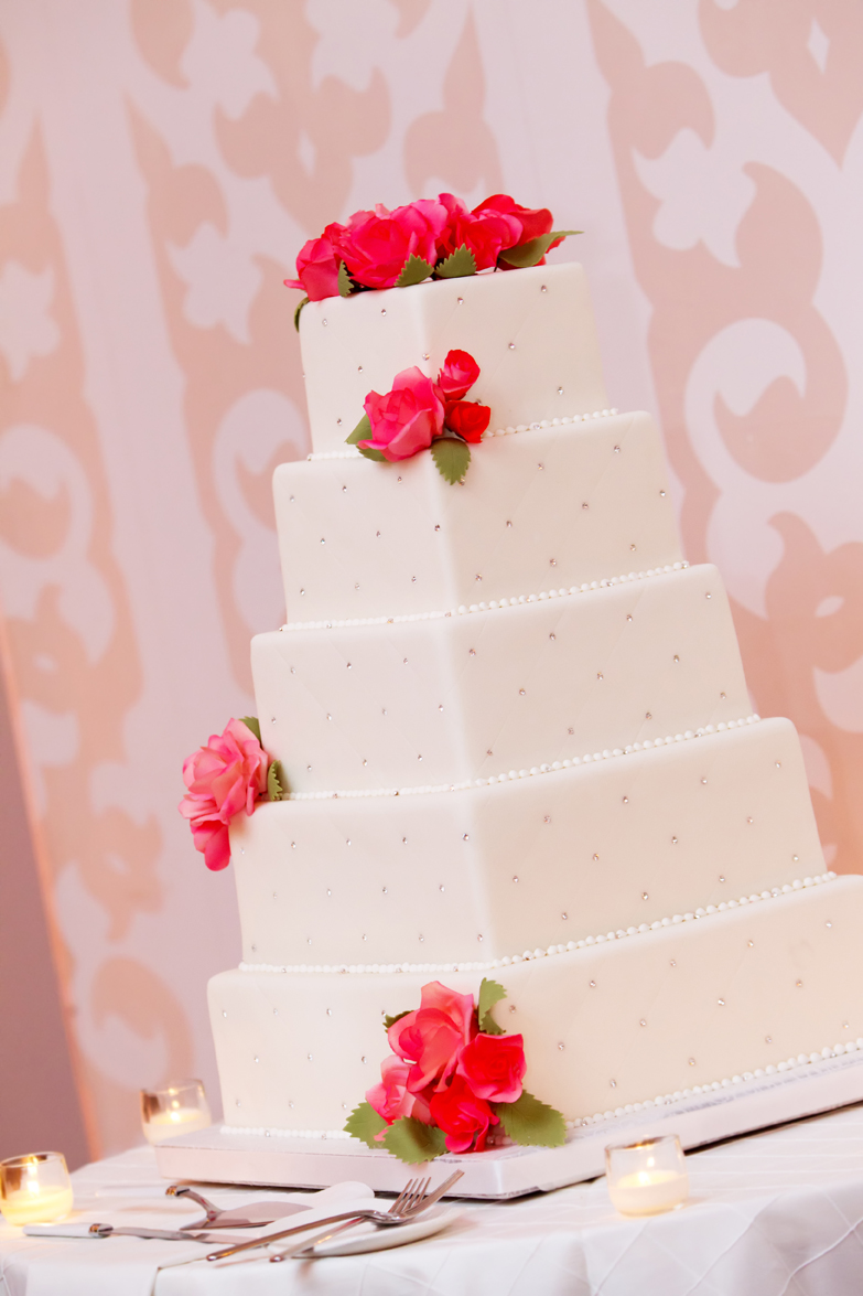 Confectionery Designs created this fabulous cake with the most perfect roses!
