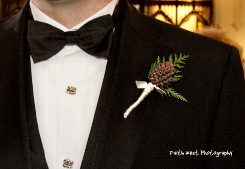 Pine Cone Boutonniere/ Photo: Faith West - What a great (and masculine!) boutonniere utilizing a pine cone and cedar. It's perfect!