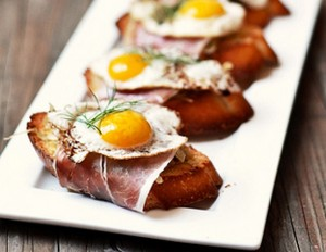 crostini with serrano ham and quail egg.jpg