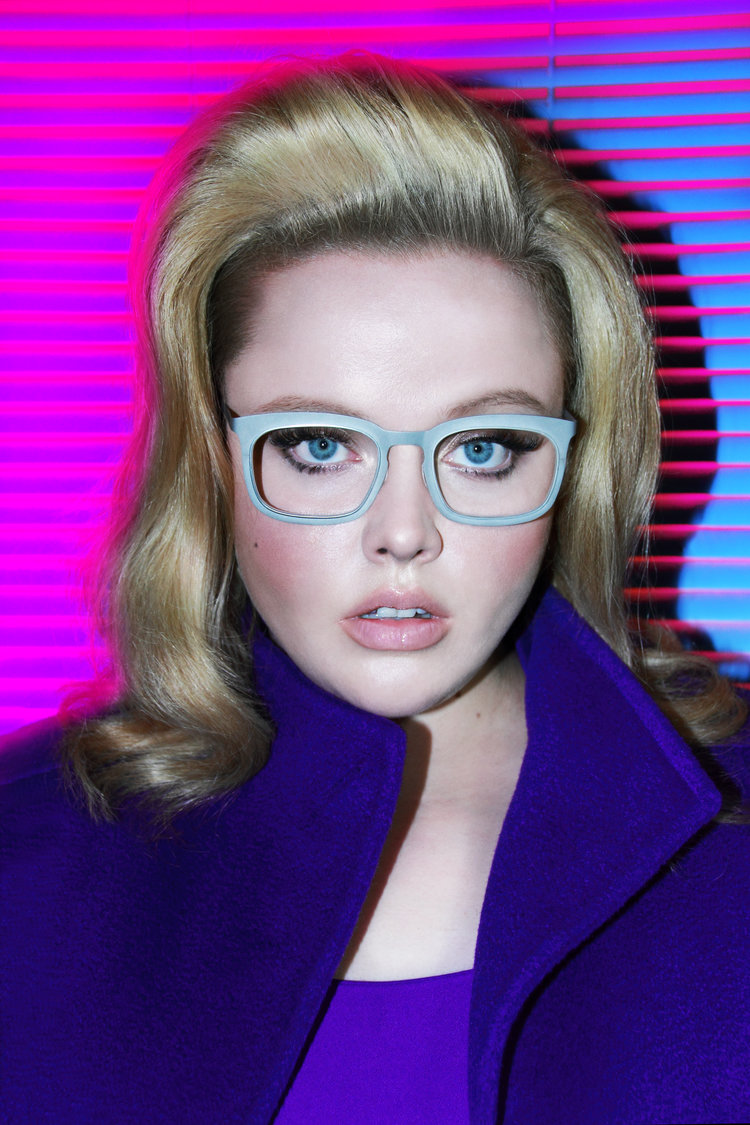 the new la eyeworks campagin image featuring gorgeous curve model