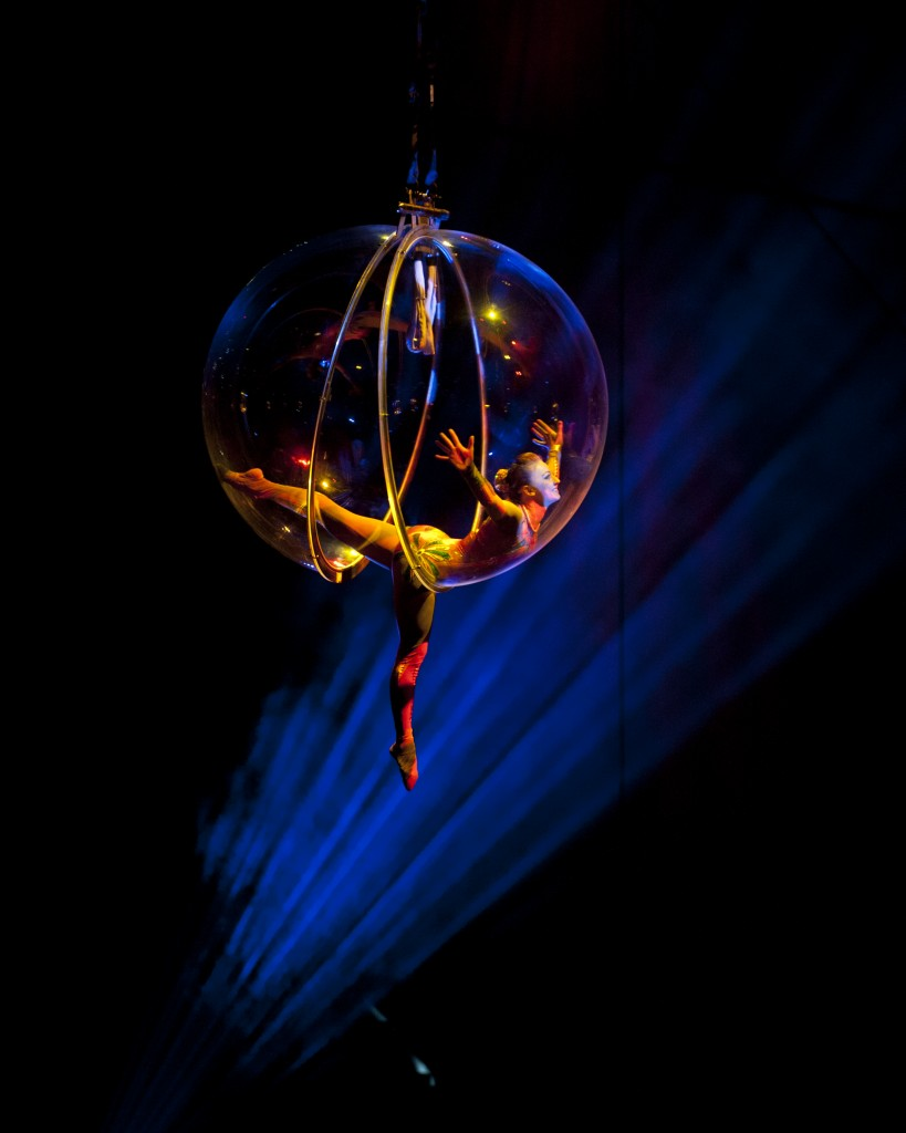 bubble-aerialists.jpg