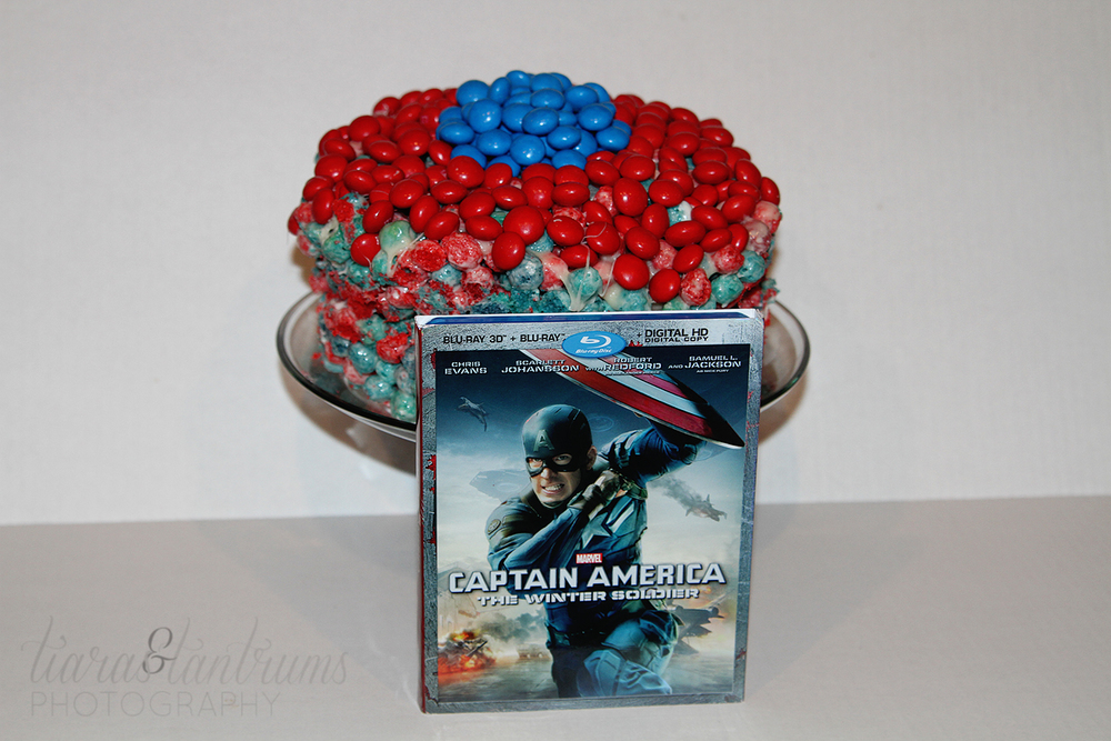 M&M's® Captain America Cap'n Crunch Marshmallow Treats