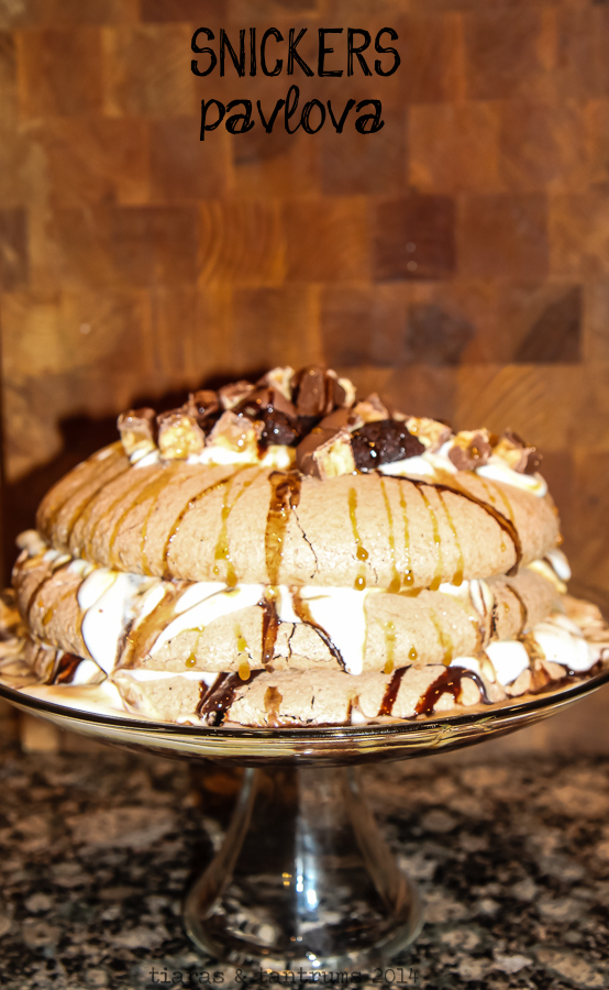 Game Day Snickers Pavlova Recipe #BigGameDayTreats