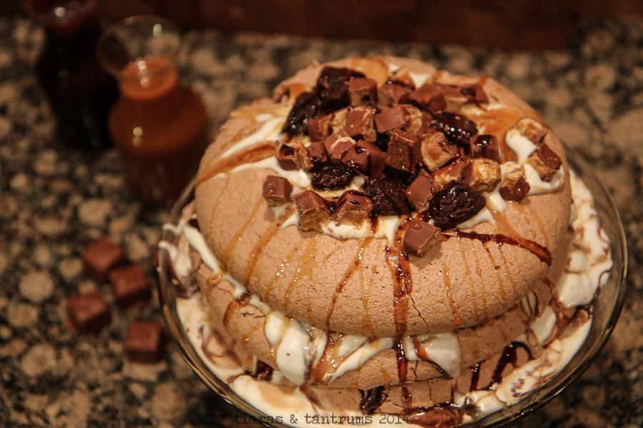 Game Day Snickers Pavlova Recipe #BigGameDayTreats