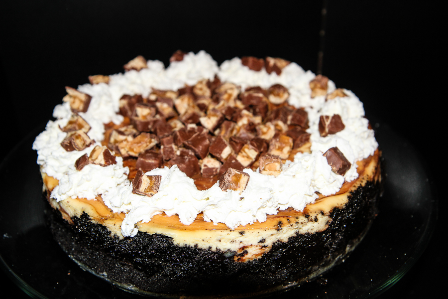 Game Day Snickers Cheesecake Recipe #BigGameTreats