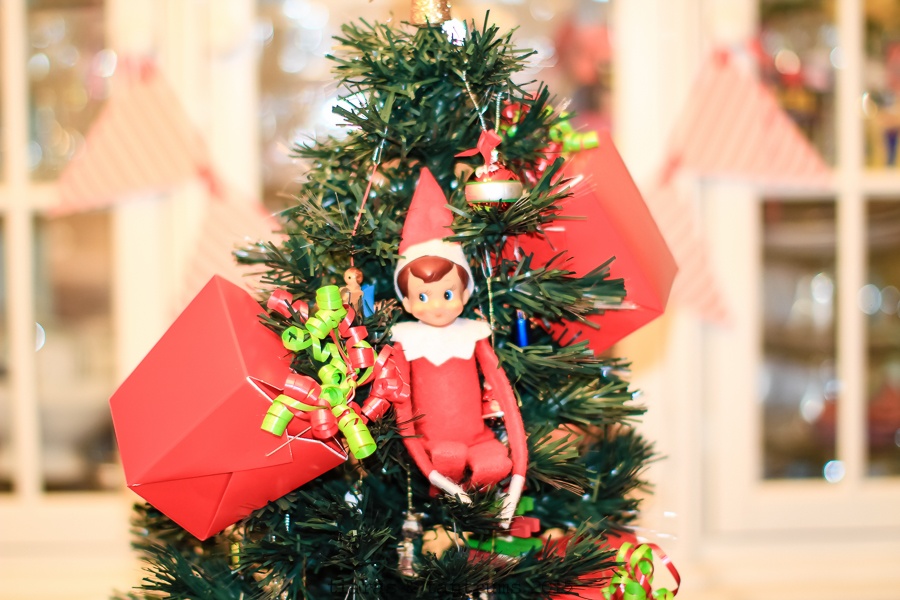 Elf on the Shelf Brings Cards From Santa #SendHallmark