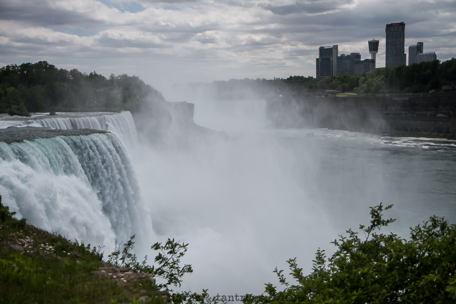 Places to Go This Summer Niagara Falls