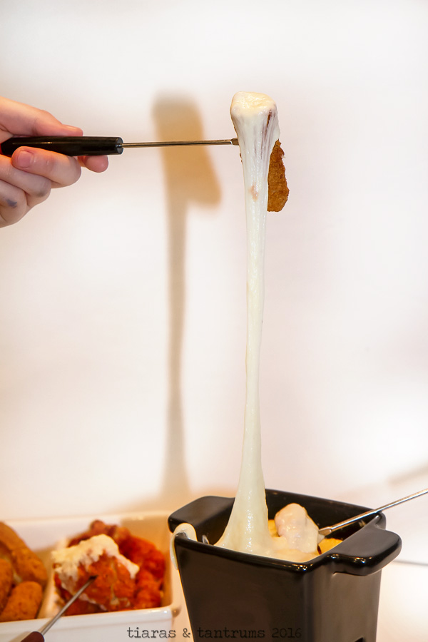 Quick and Easy Cheese Fondue #20MinutesToTasty