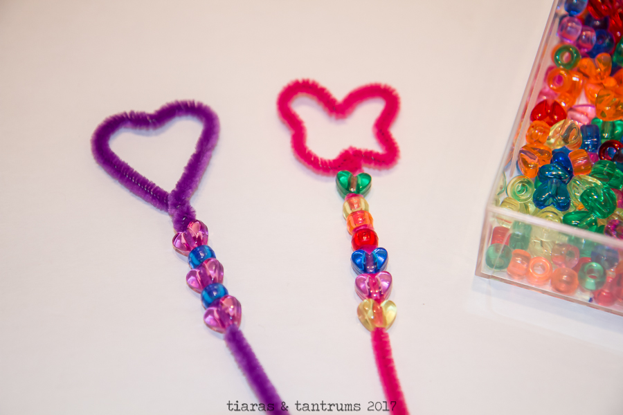 POPPY DIY BUBBLE WANDS