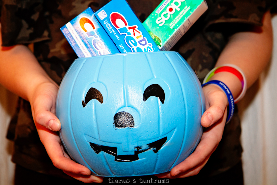 Favorite Halloween Traditions with Tiaras & Tantrums and Crest #CrestHalloween #CrestSmiles
