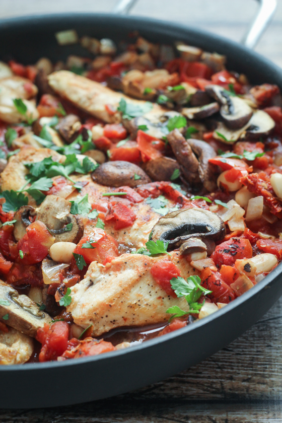 Tuscan-Chicken-Skillet-7.jpg20 Quick and Easy 30-Minute Dinner Recipes
