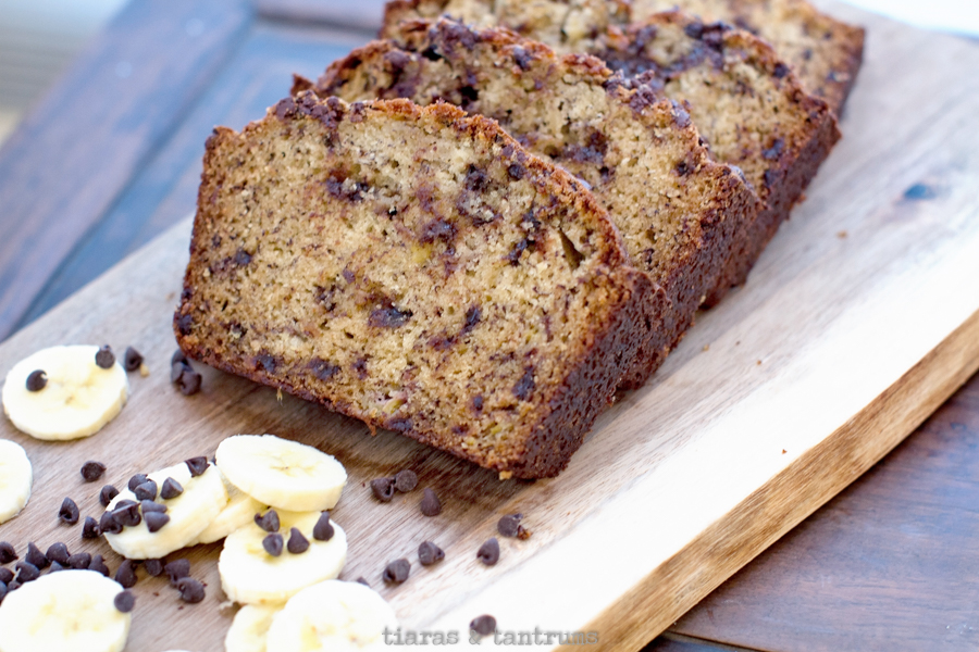 The Best Chocolate Chip Banana Bread Recipe #chocolatechipbananabread #bananabread
