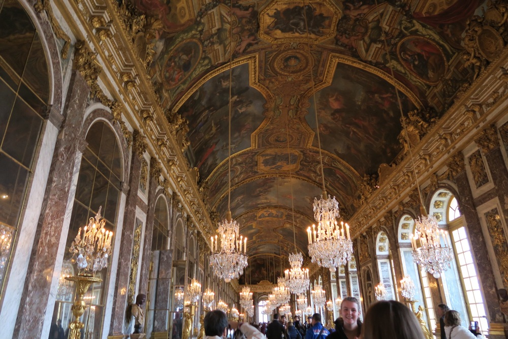^ the hall of mirrors. where's charlize theron?