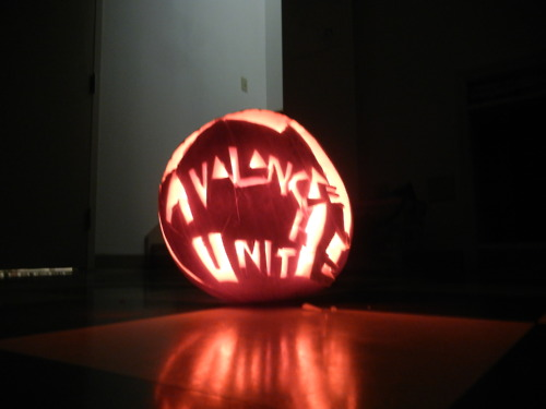 ashleyship: I legit carved a pumpkin for the first time tonight. Here it is. It fell apart.  ~ Avalanche United ~ what what