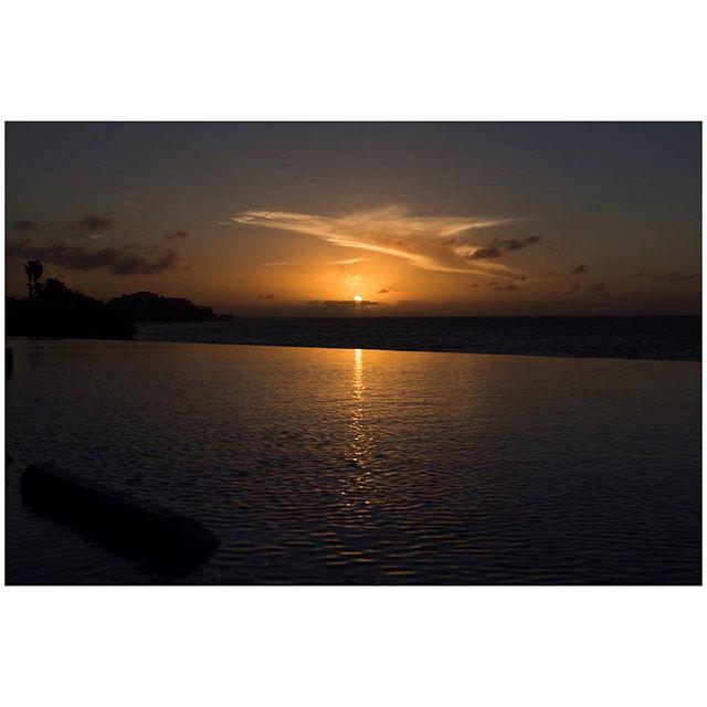 Game over. 📍Varadero, Cuba 🇨🇺 . . . #aVidaQEscolhemos #aVqE #Cuba #Varadero #travel #traveling #travelphotography #aroundtheworld #wanderlust #sunset #sundown #fujifilmxpt #fujifilmglobal  #fujifilm_Xseries #fujixseries #xpro2
