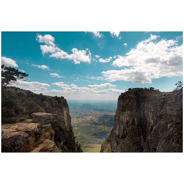 There is so much beautiful in the 🌍 📍Lubango, Angola 🇦🇴 . . . #aVidaQEscolhemos #aVqE #Lubango #tundavala #Angola #travel #traveling #travelphotography #aroundtheworld #wanderlust #GoPro