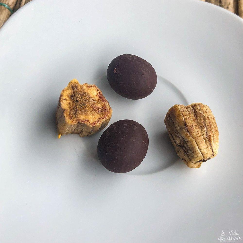 Grão de Café com Chocolate e Banana Madura