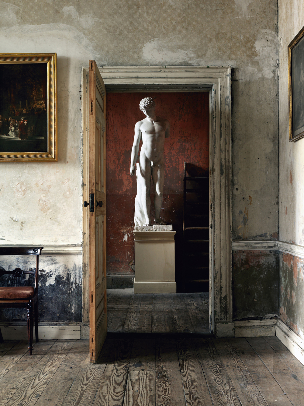 09o_RIH_StatueThroughDoorway,Ireland.jpg