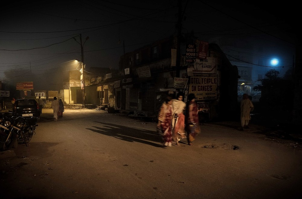 Harry Fisch_Heist-14-Camino a Asi Ghat.jpg