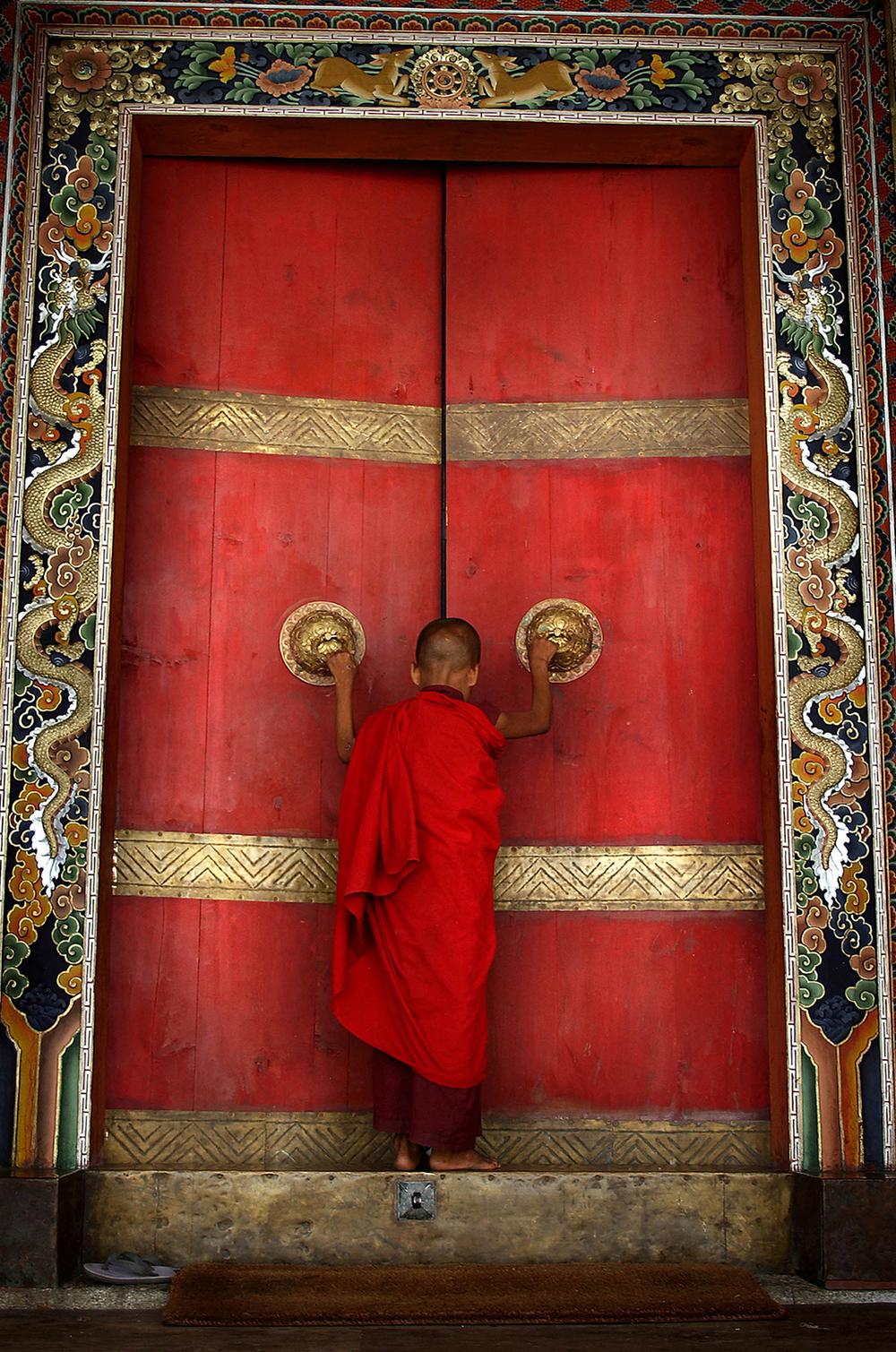 BHUTAN:THE LAST SHANGRI LA